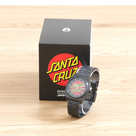 【今だけ10%OFF】NIXON ニクソン Time Teller SANTA CRUZ COLLECTION NA0452895 Black/Santa Cruz